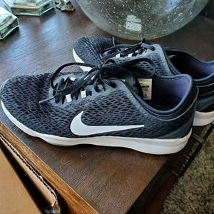 Nike woman's ZOOM shoes